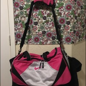 Women Nike Duffel Bag